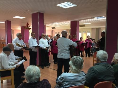 Actuación coro San Pedro y Lo Pagán en Residencia San Pedro 4
